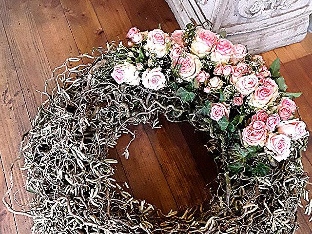 Blumen und Dekoration für Traueranlässe